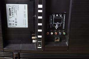 Samsung RU7379 - Anschlüsse von hinten